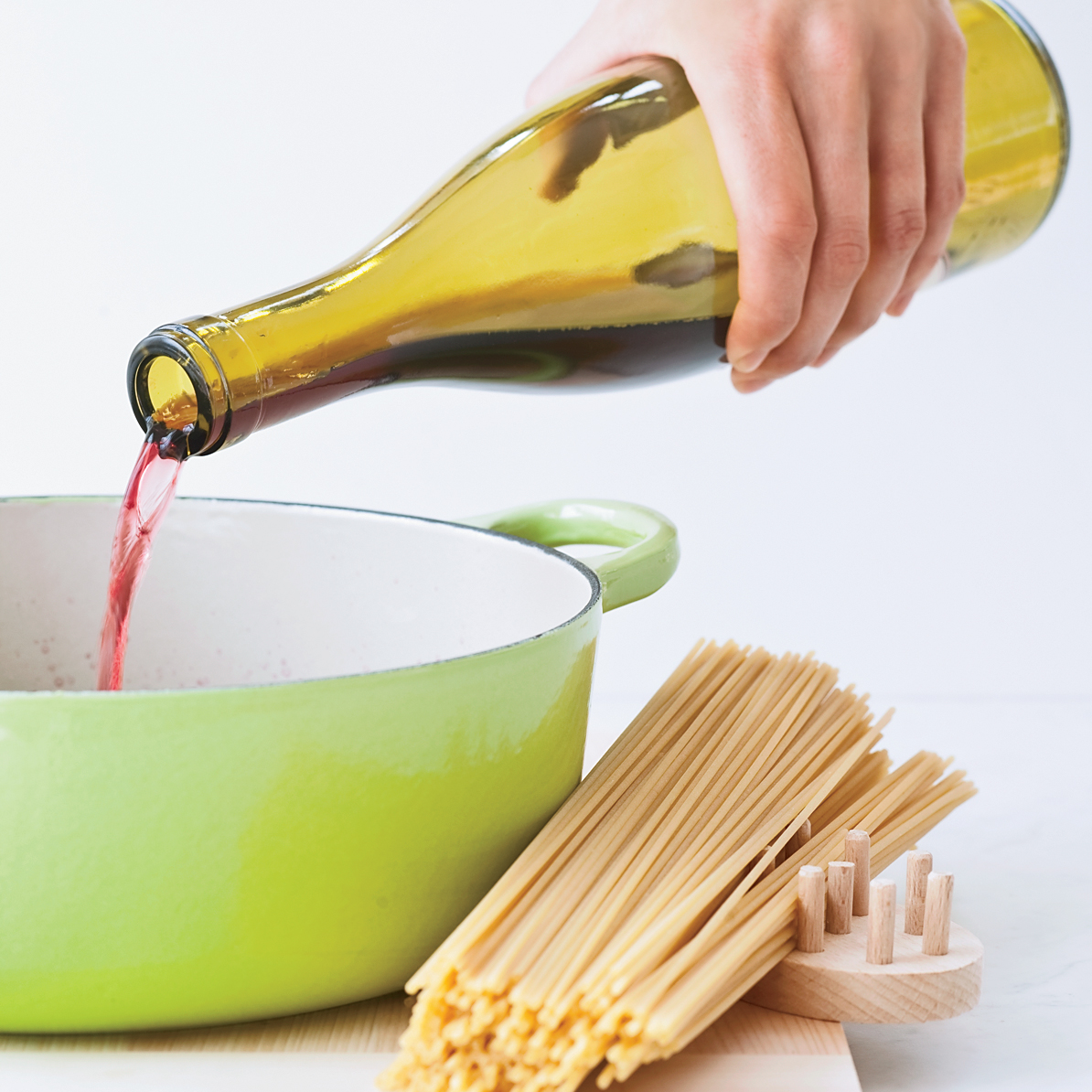 200909-r-red-wine-spaghetti.jpg