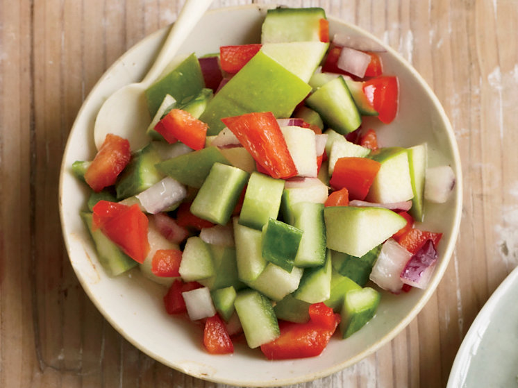 201003-r-apple-cucumber-salsa.jpg