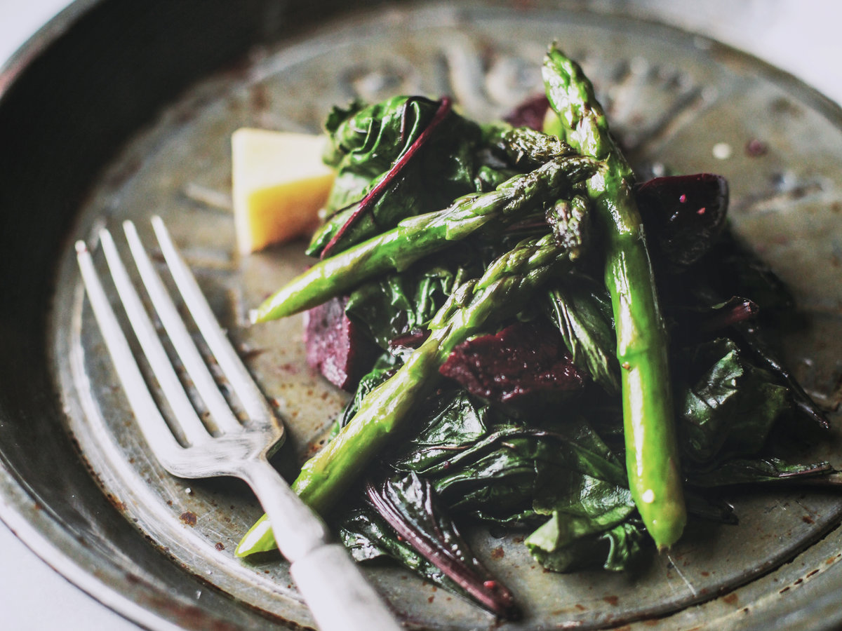original-201307-r-beet-and-asparagus-salad-with-roasted-garlic-dressing.jpg