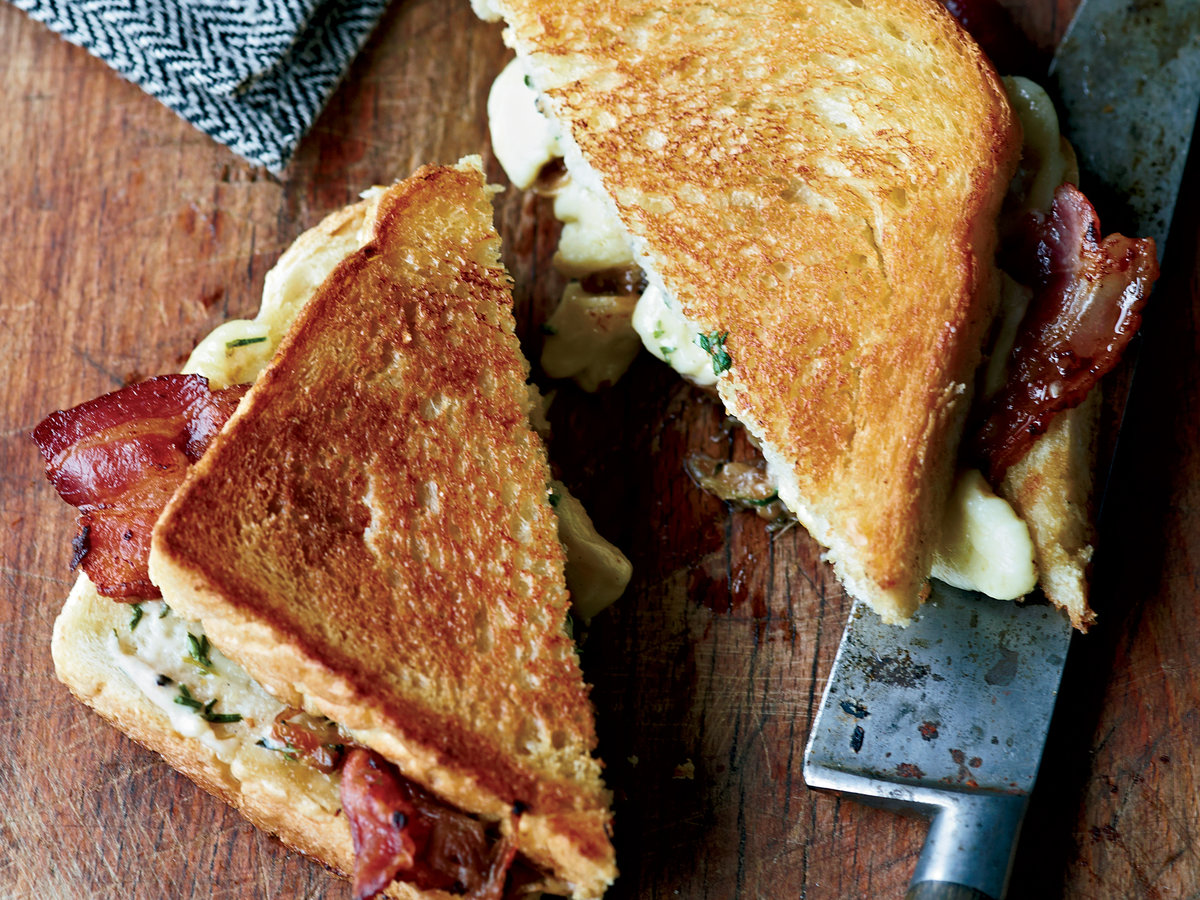 201110-r-grilled-cheese-and-bacon-sandwiches-with-cheese-curds.jpg