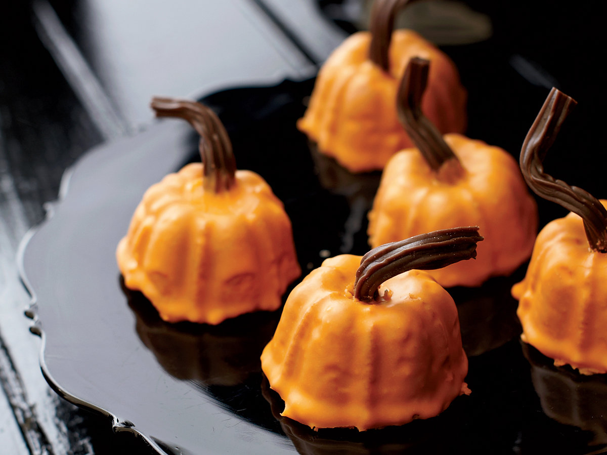 201110-r-mini-spiced-pumpkins.jpg