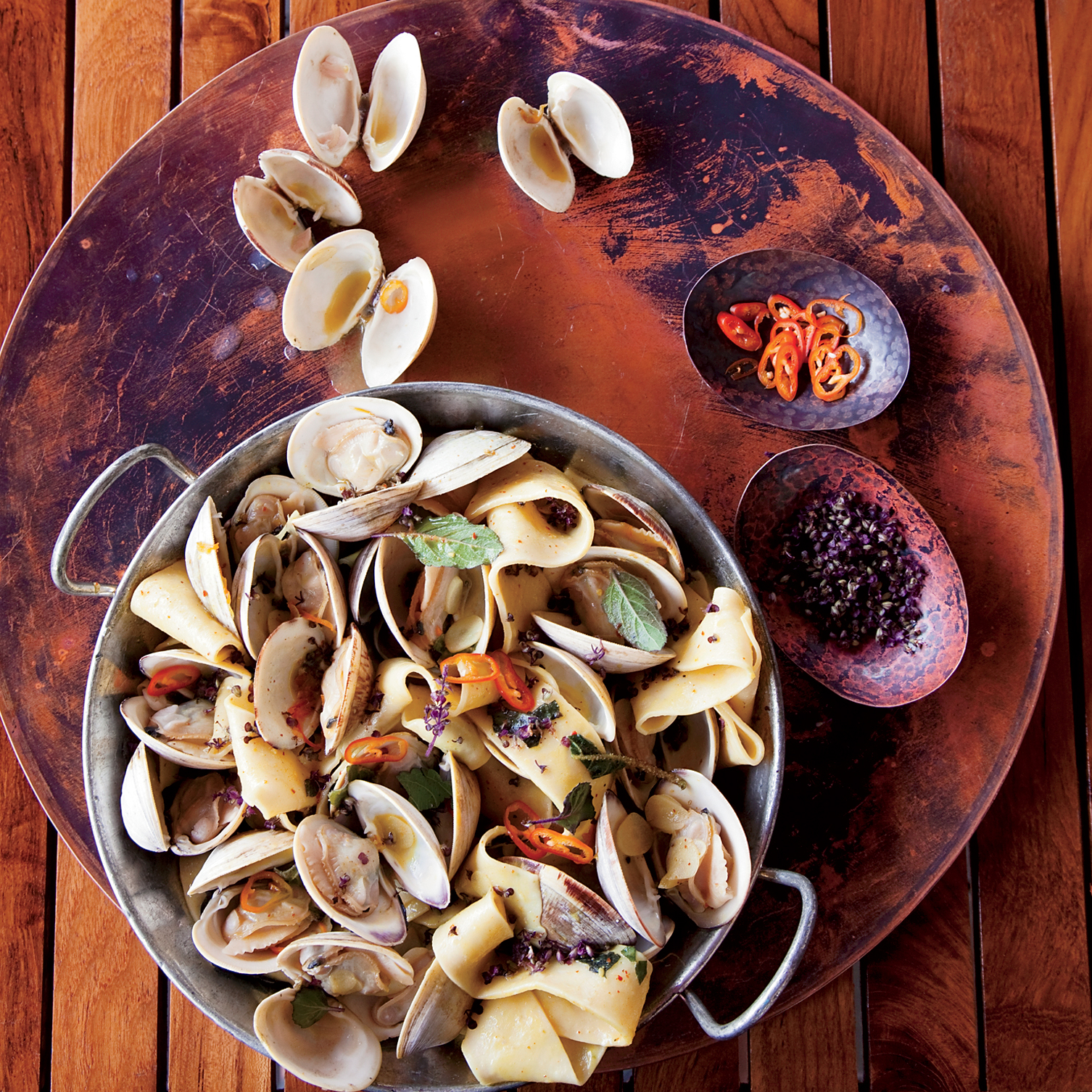 images-sys-201112-r-pappardelle-with-clams-turmeric-and-habaneros.jpg