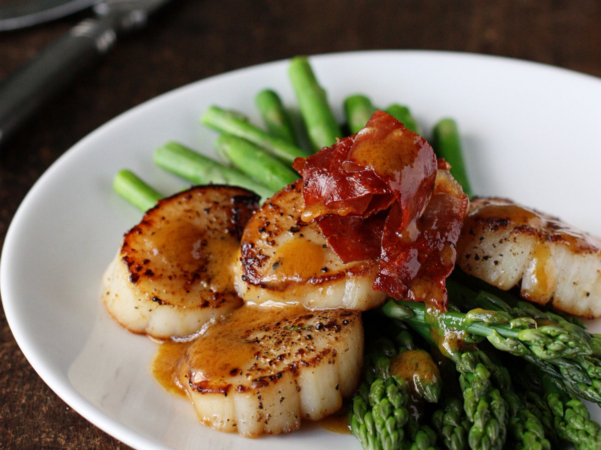 original-201203-r-blogger-asparagus-with-scallops-browned-butter-and-prosciutto.jpg