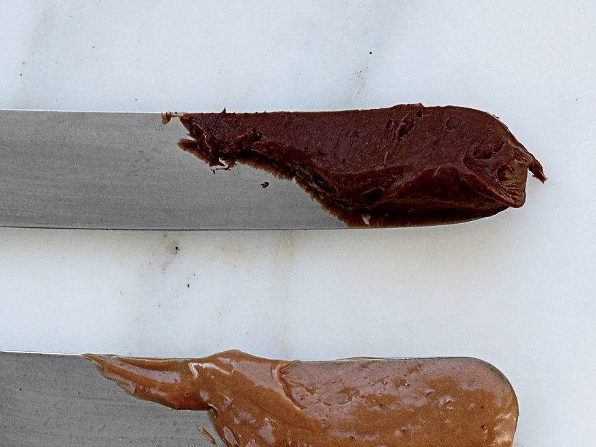 images-sys-201202-r-dark-chocolate-mousse-filling.jpg