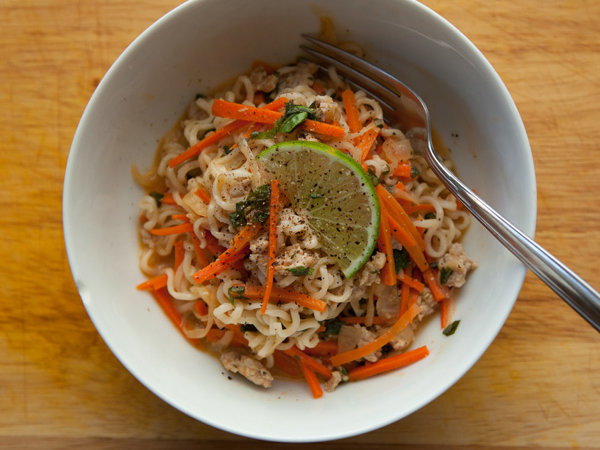 original-201203-r-blogger-thai-curried-noodles-pork-basil.jpg