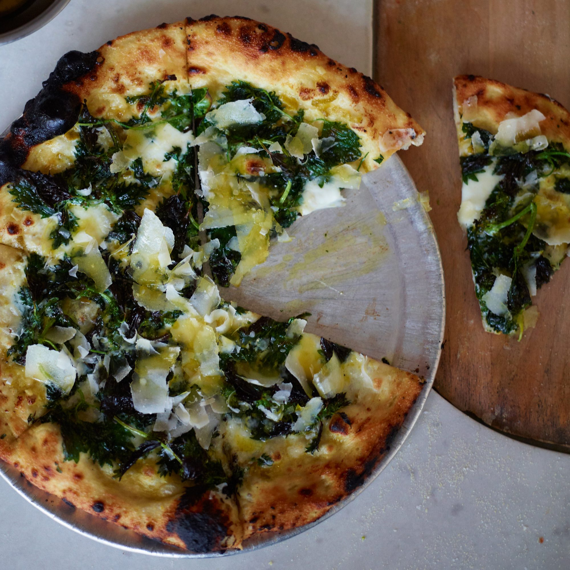 original-201204-r-pizza-with-garlic-cream-and-nettles.jpg