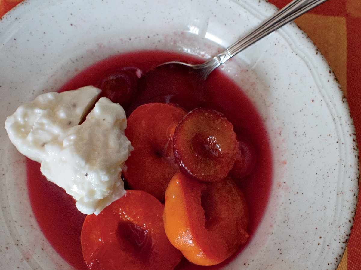 200x250-201207-r-apricots-and-plums-poached-in-rose-wine.jpg