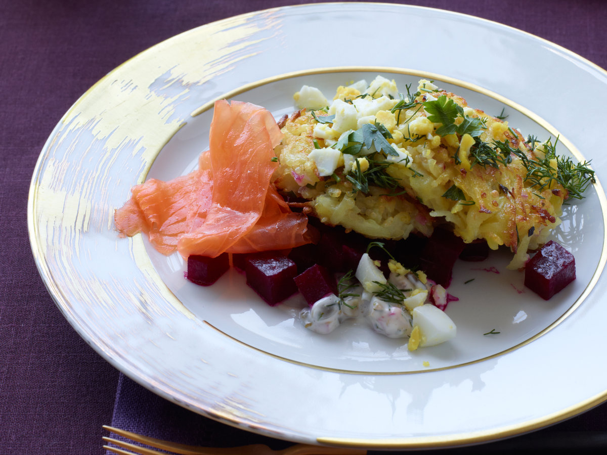 original-201210-r-potato-quinoa-cakes-with-smoked-salmon-and-beets.jpg