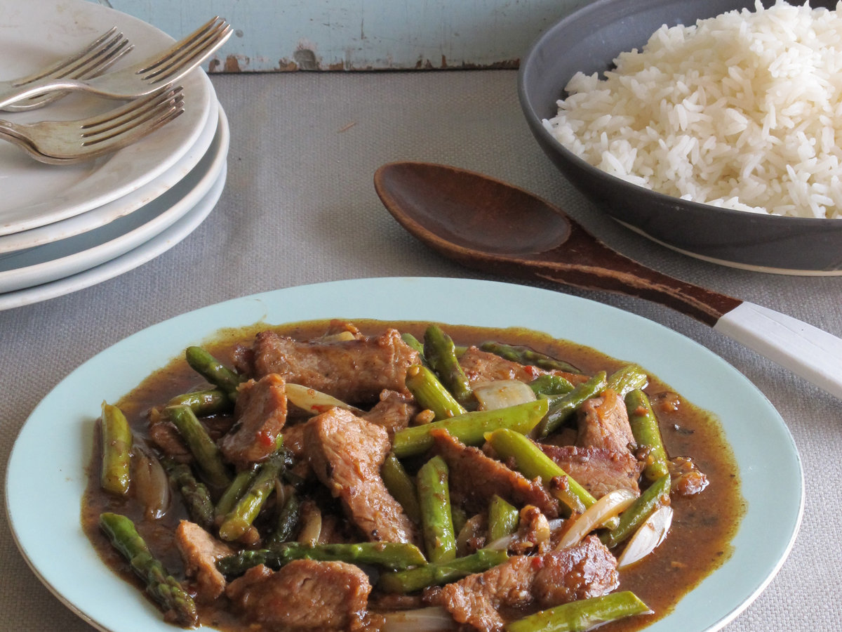 original-201302-r-hunan-beef-with-asparagus-and-mixed-chiles.jpg