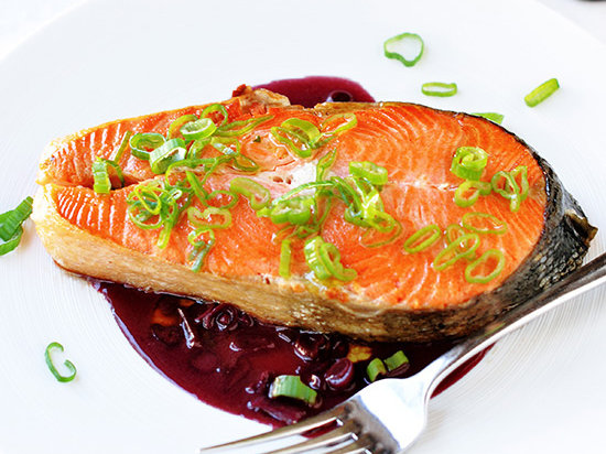 original-201307-r-salmon-with-red-wine-sauce.jpg