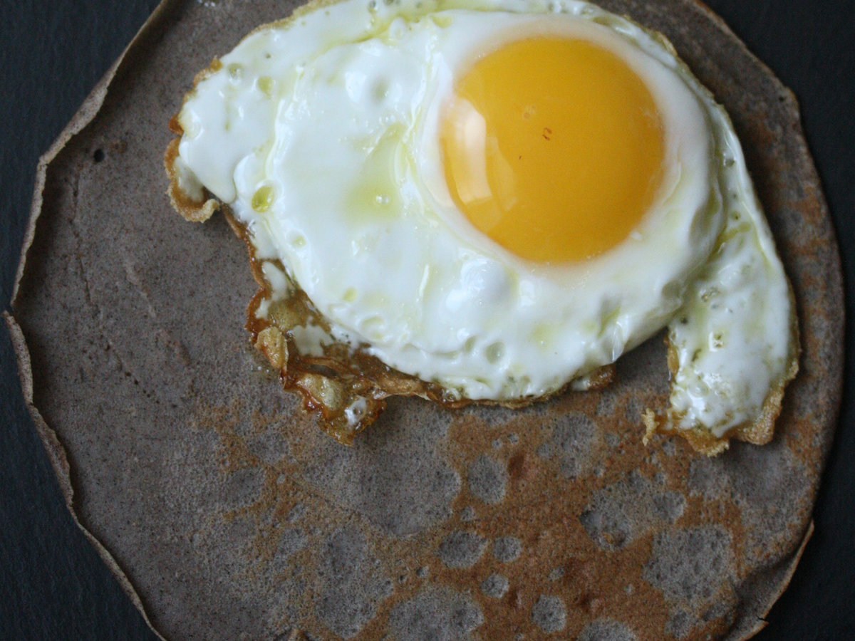 original-201310-r-buckwheat-crepes-with-olive-oil-fried-eggs.jpg