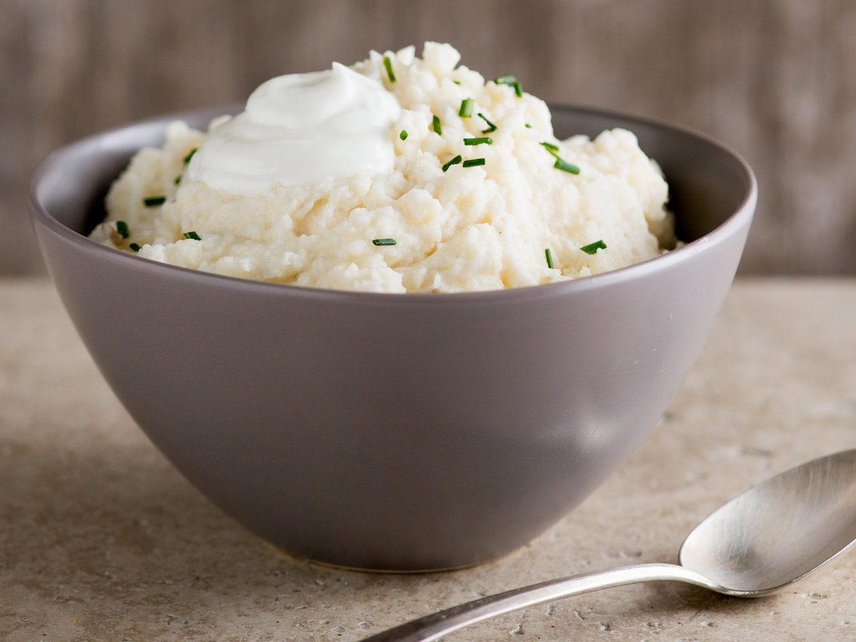 original-201310-r-garlic-mashed-potatoes-with-chives-and-greek-yogurt.jpg