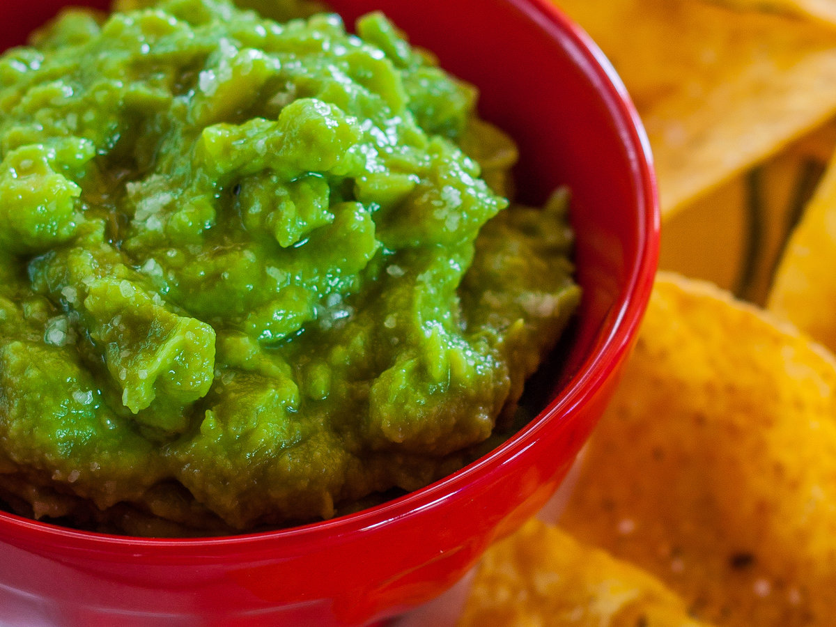 original-201311-r-two-minute-guacamole.jpg