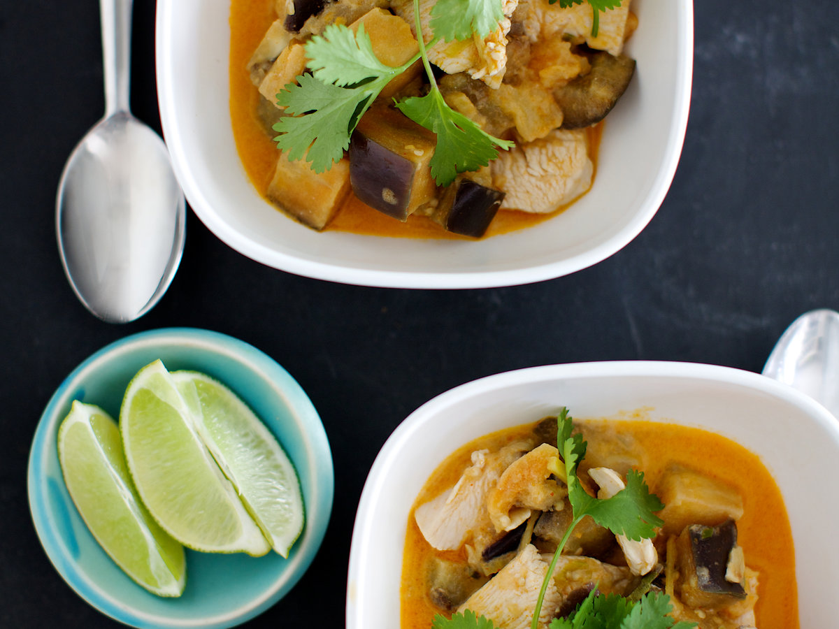 201408-r-chicken-and-eggplant-red-curry.jpg