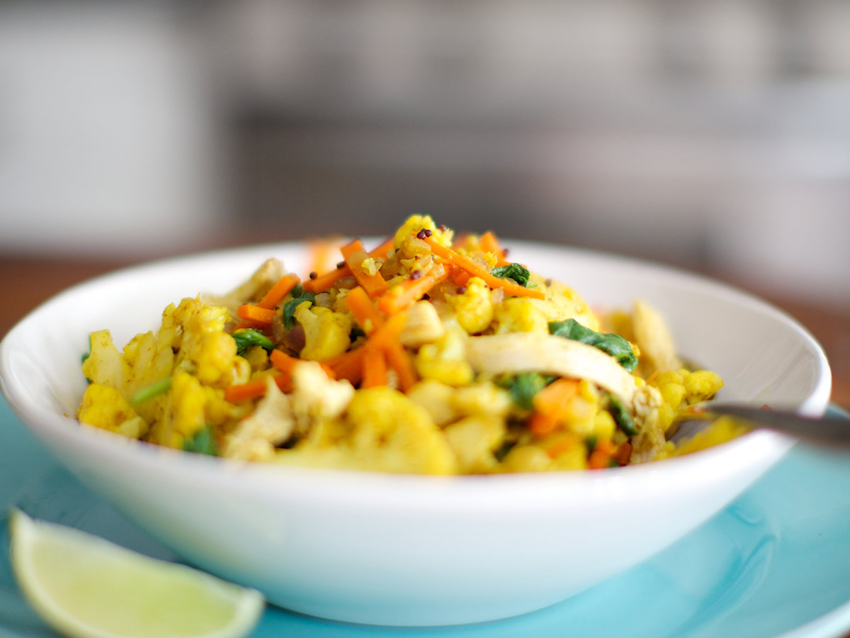 201408-r-curried-chicken-with-cauliflower-carrots-and-spinach.jpg