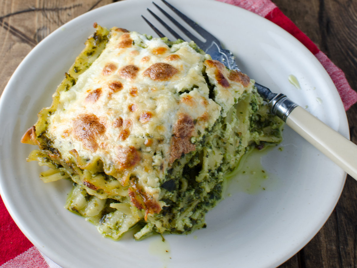 201404-r-fast-and-easy-pesto-lasagna.jpg