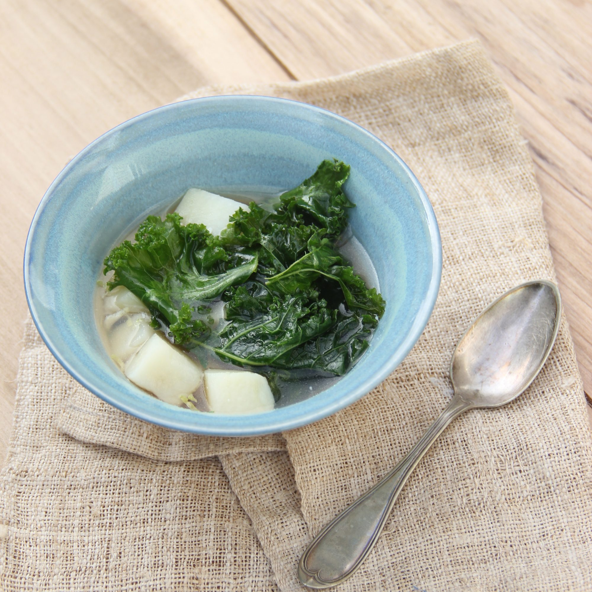 201405-r-simple-kale-and-potato-soup.jpg