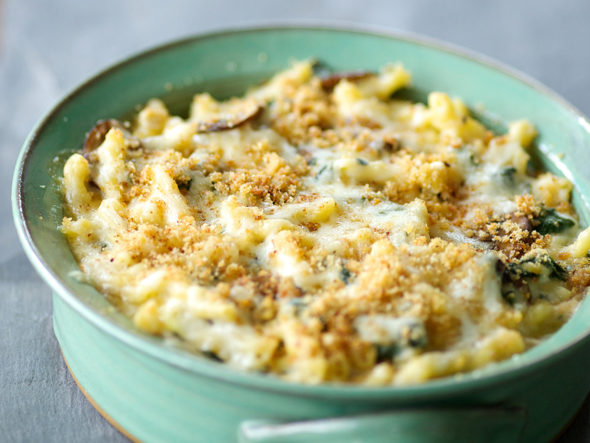 201408-r-macaroni-and-swiss-with-spinach-and-mushrooms.jpg