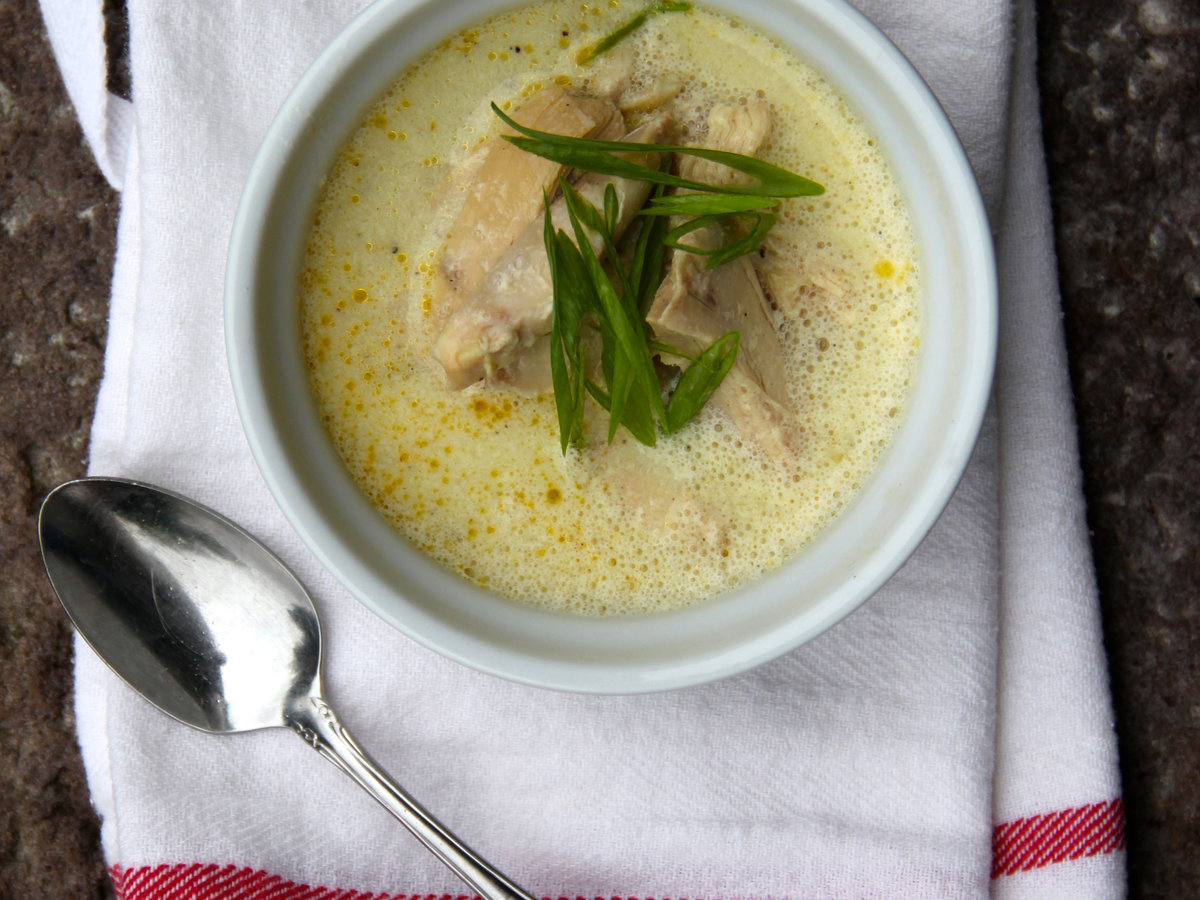 201503-r-slow-cooker-chicken-and-egg-drop-soup.jpg