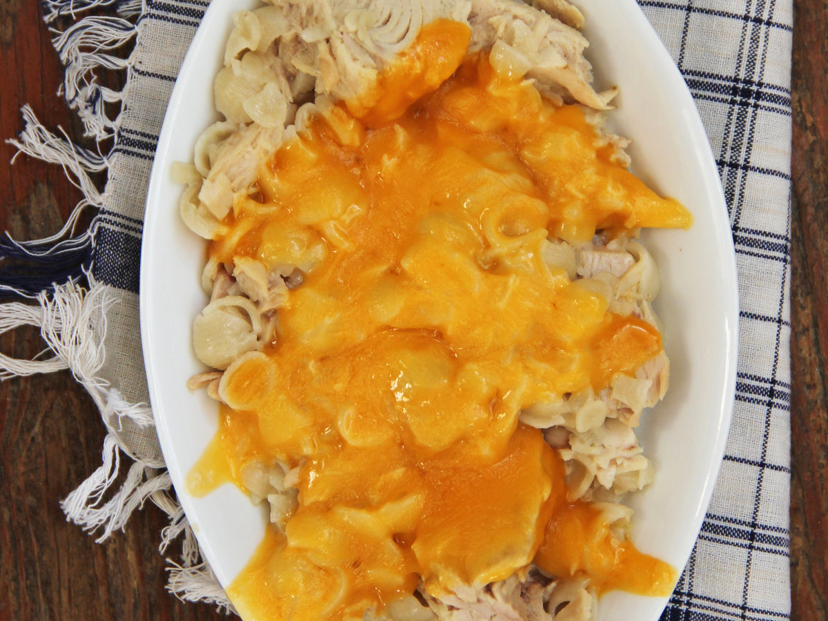 HD-201405-r-mac-n-cheese-tuna-melt-casserole.jpg