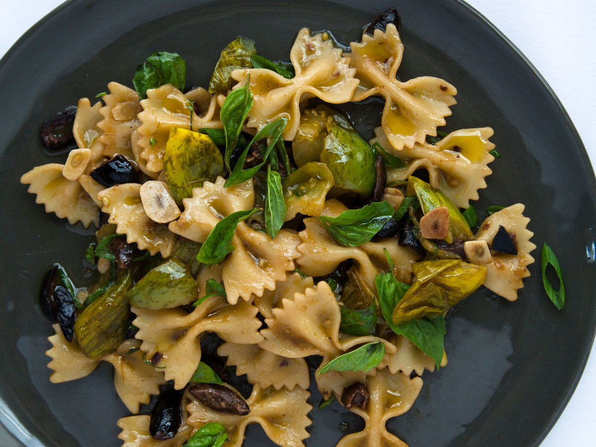 original-201401-r-farfalle-with-green-tomatoes-black-olives-and-basil.jpg