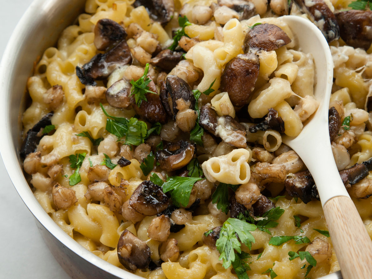 original-201401-r-mushroom-and-hominy-macaroni-and-cheese.jpg