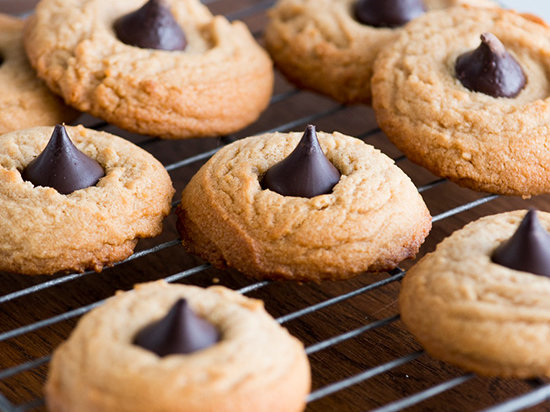 Soft Chewy Peanut Butter Cookies with Kisses