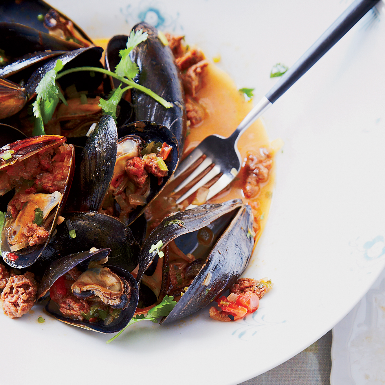 201404-r-mussels-with-merguez-sausage.jpg
