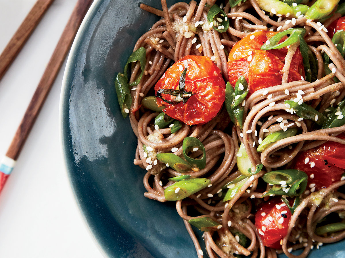 201404-r-soba-noodles-with-miso-roasted-tomatoes.jpg
