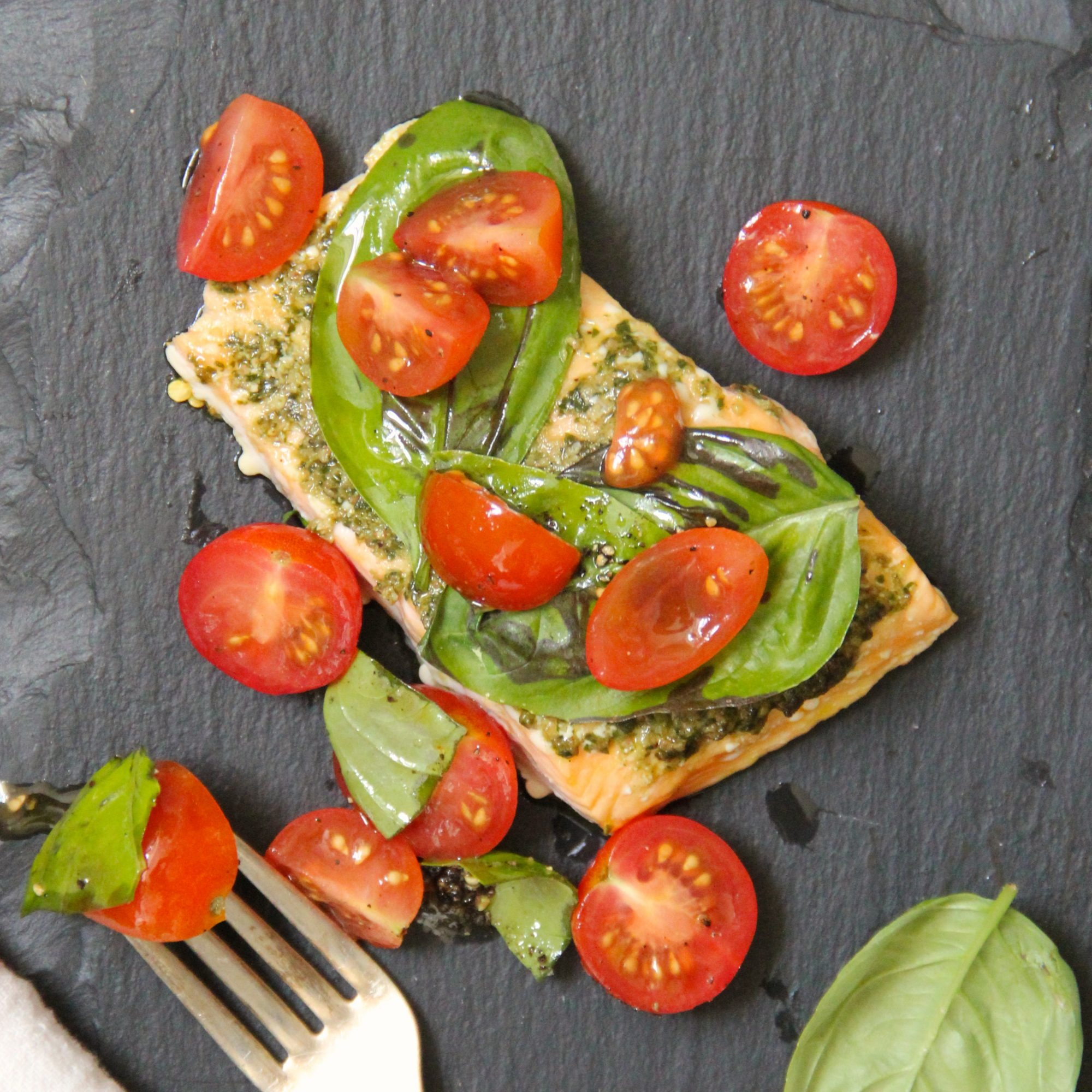 201503-r-basil-baked-salmon-with-cherry-tomato-salad.jpg