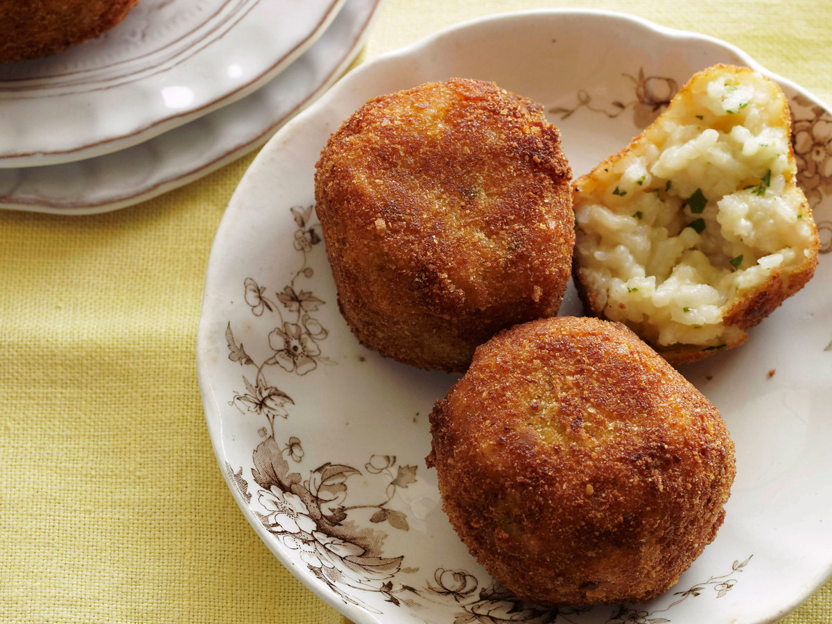 Arancini with Peas and Mozzarella