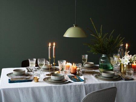 Everything Your Dining Room Needs To Throw The Best Dinner Parties
