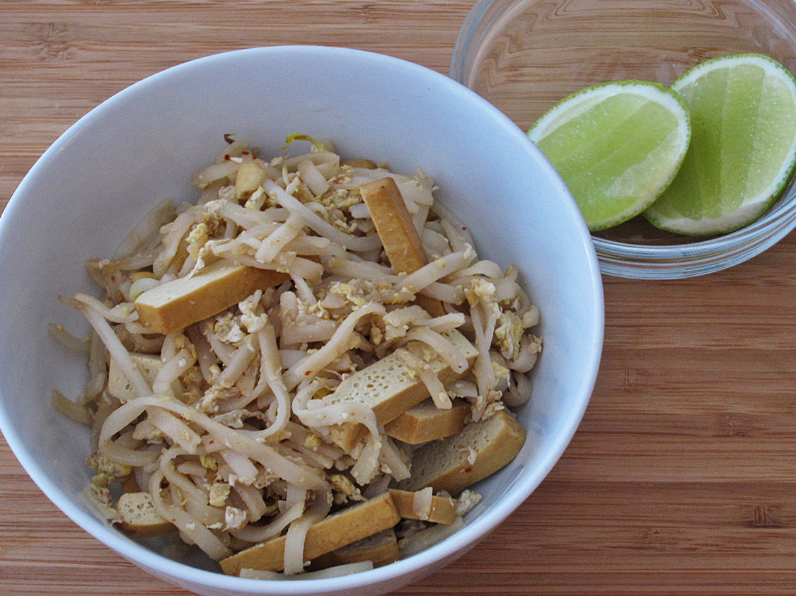 hd-201405-r-pad-thai-with-pressed-tofu.jpg