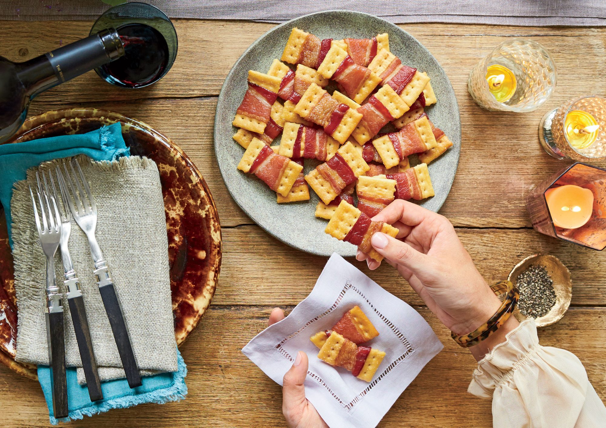bacon-bow-tie-crackers