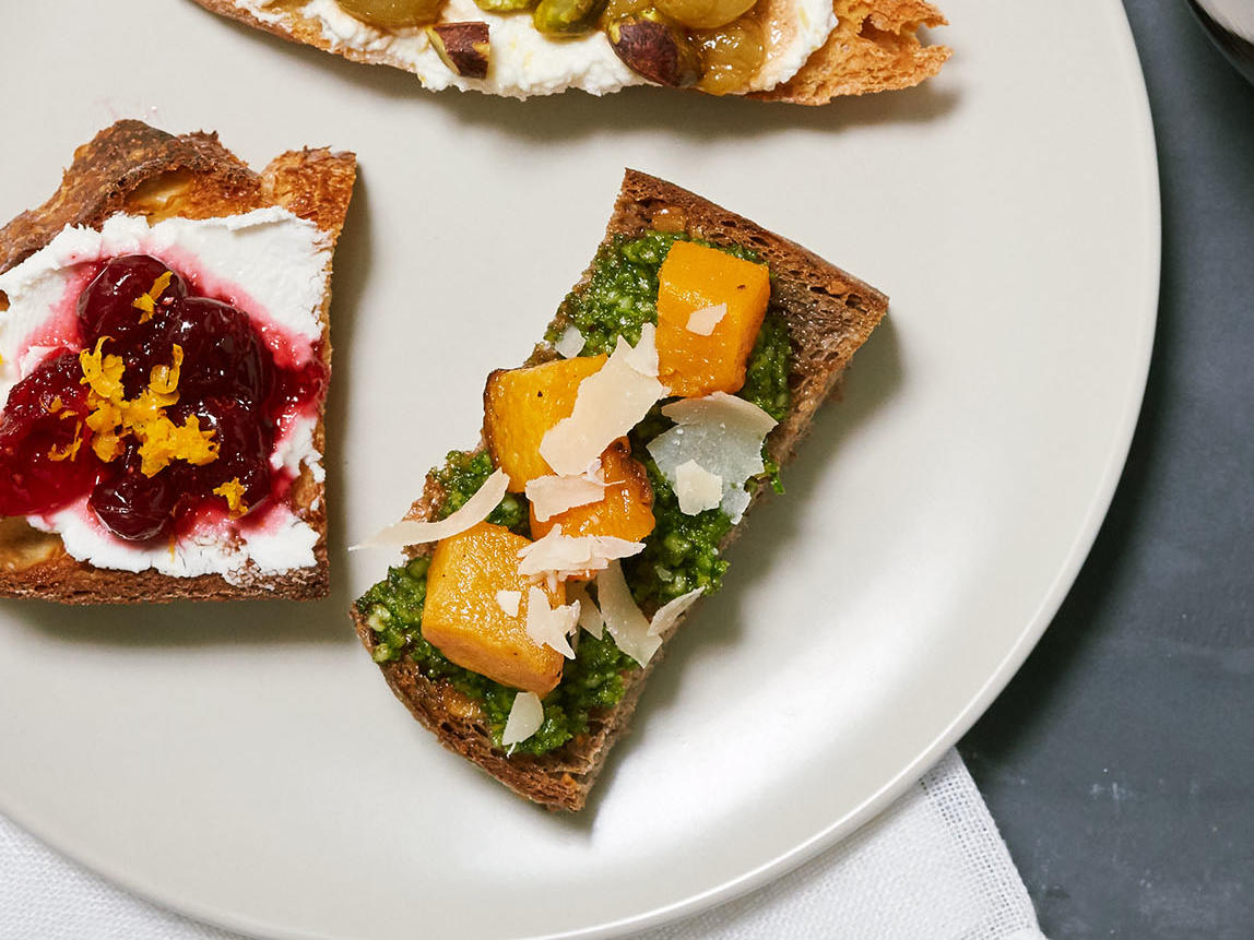 Roasted Squash and Arugula Pesto Toasts