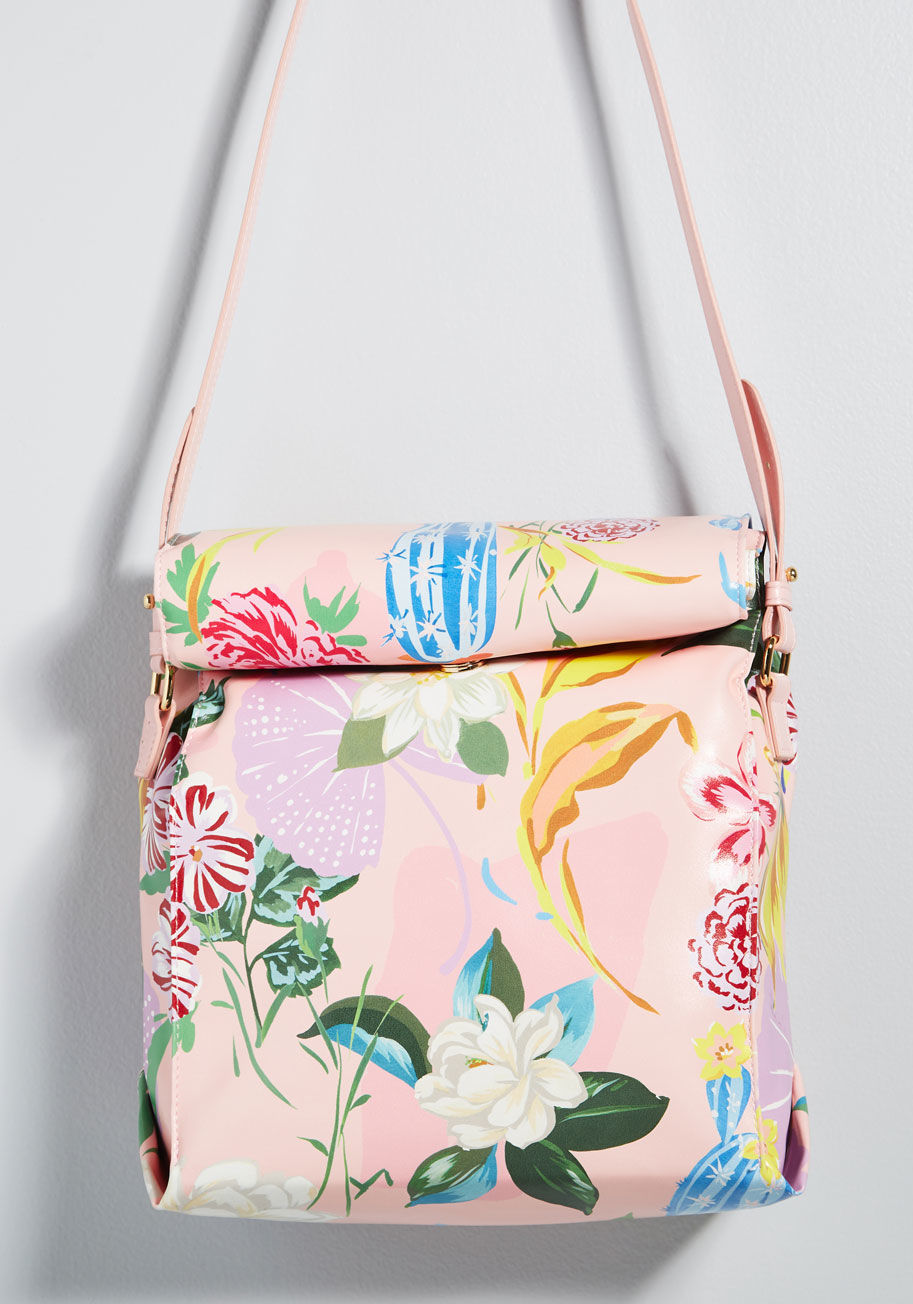 meals_in_motion_lunch_bag_multi_floral gift guide