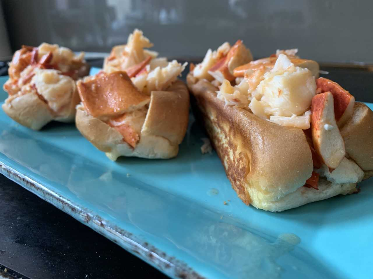 lobster-rolls-ready