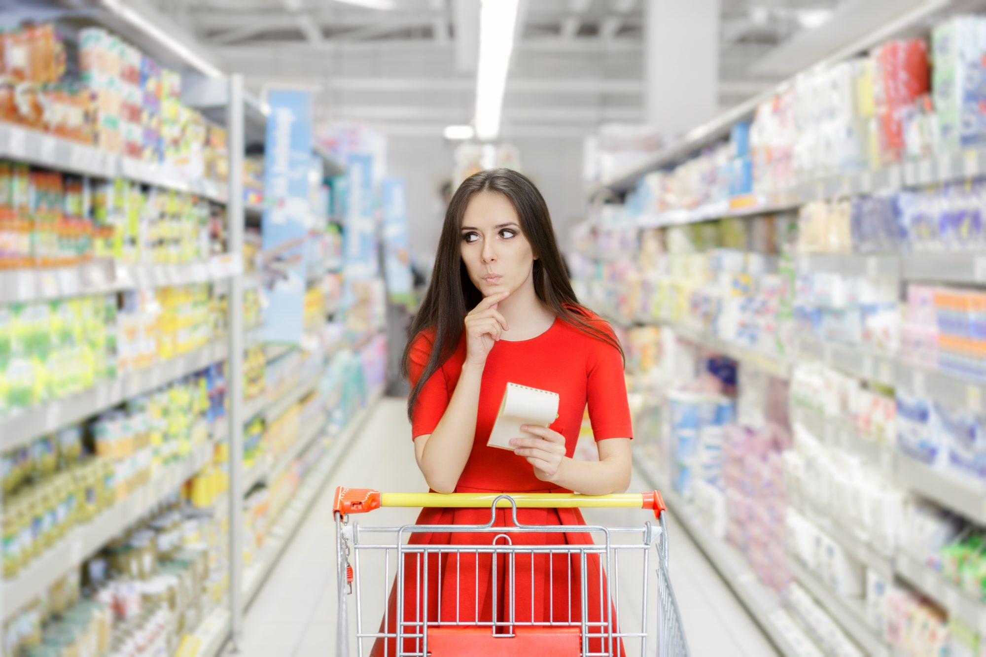 012620_Woman Grocery Shopping image