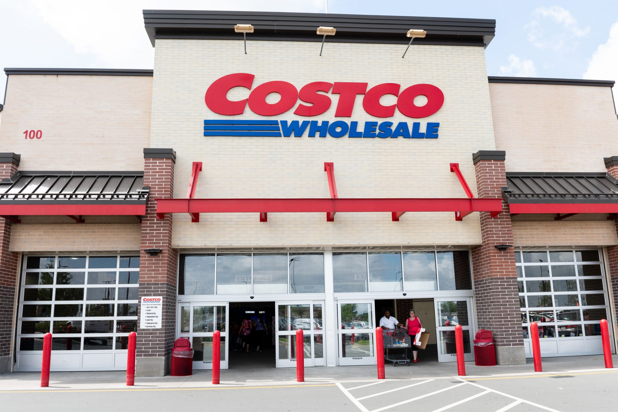 PSA: Costco Food Courts Will Soon Be Members-Only