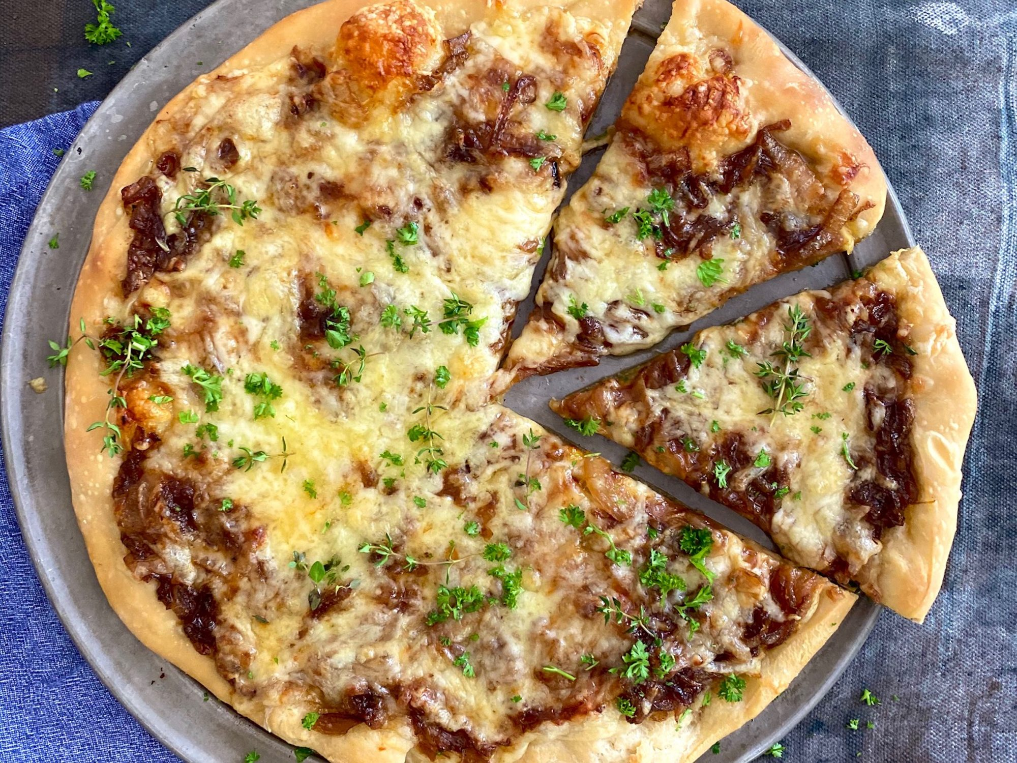 mr-French Onion Pizza Image