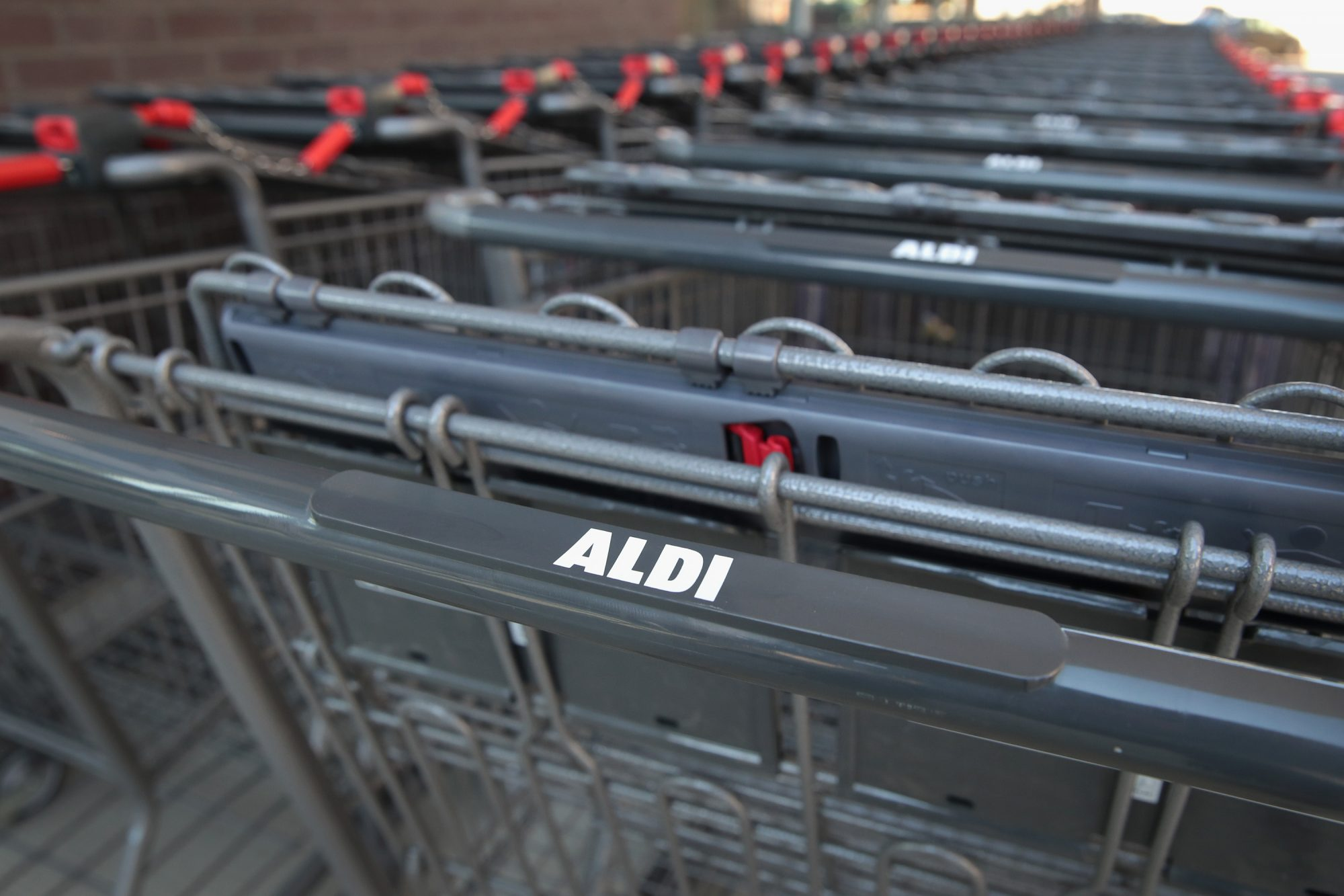 Aldi carts Getty 9/24/20