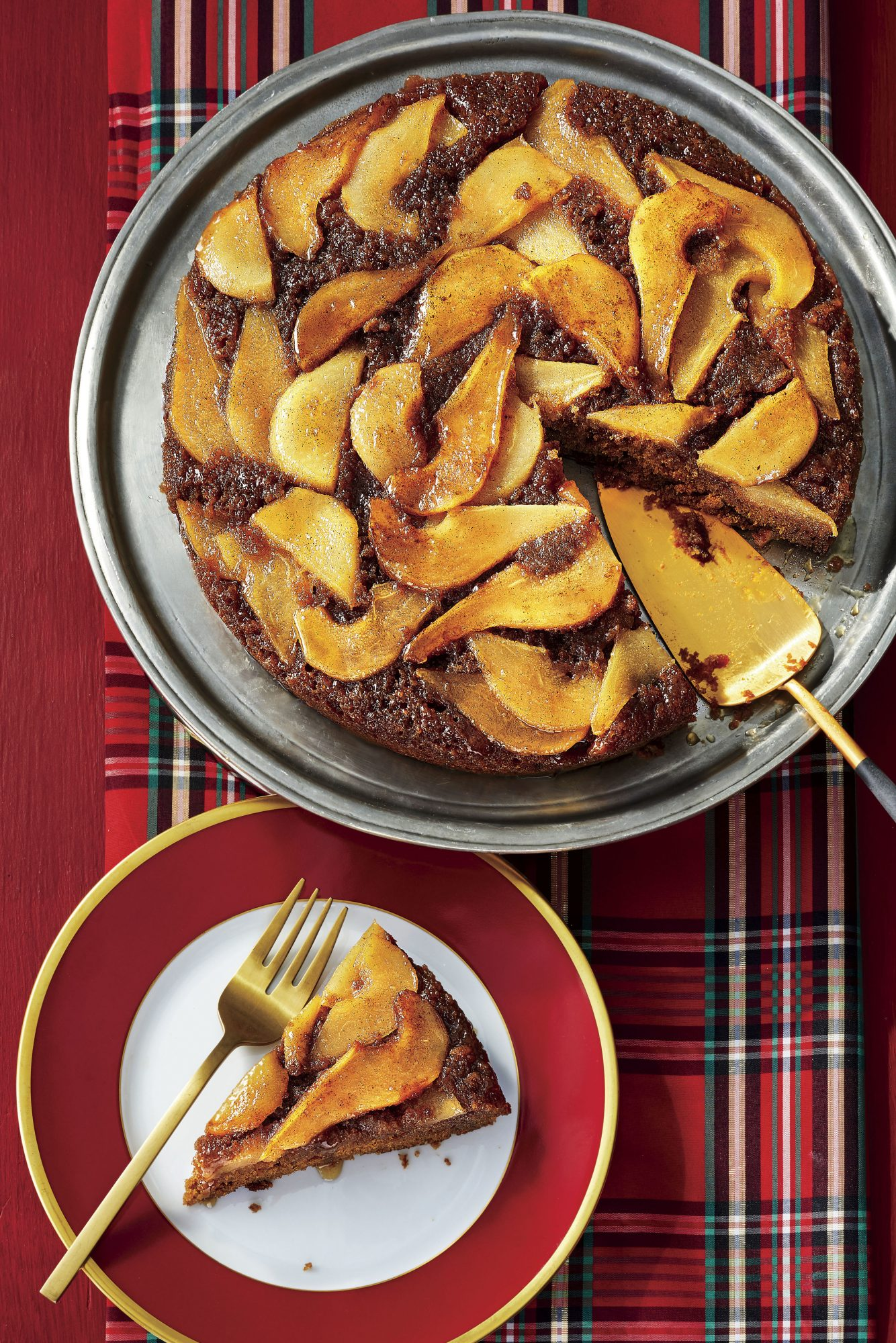 Gingerbread-and-Pear Upside-Down Cake
