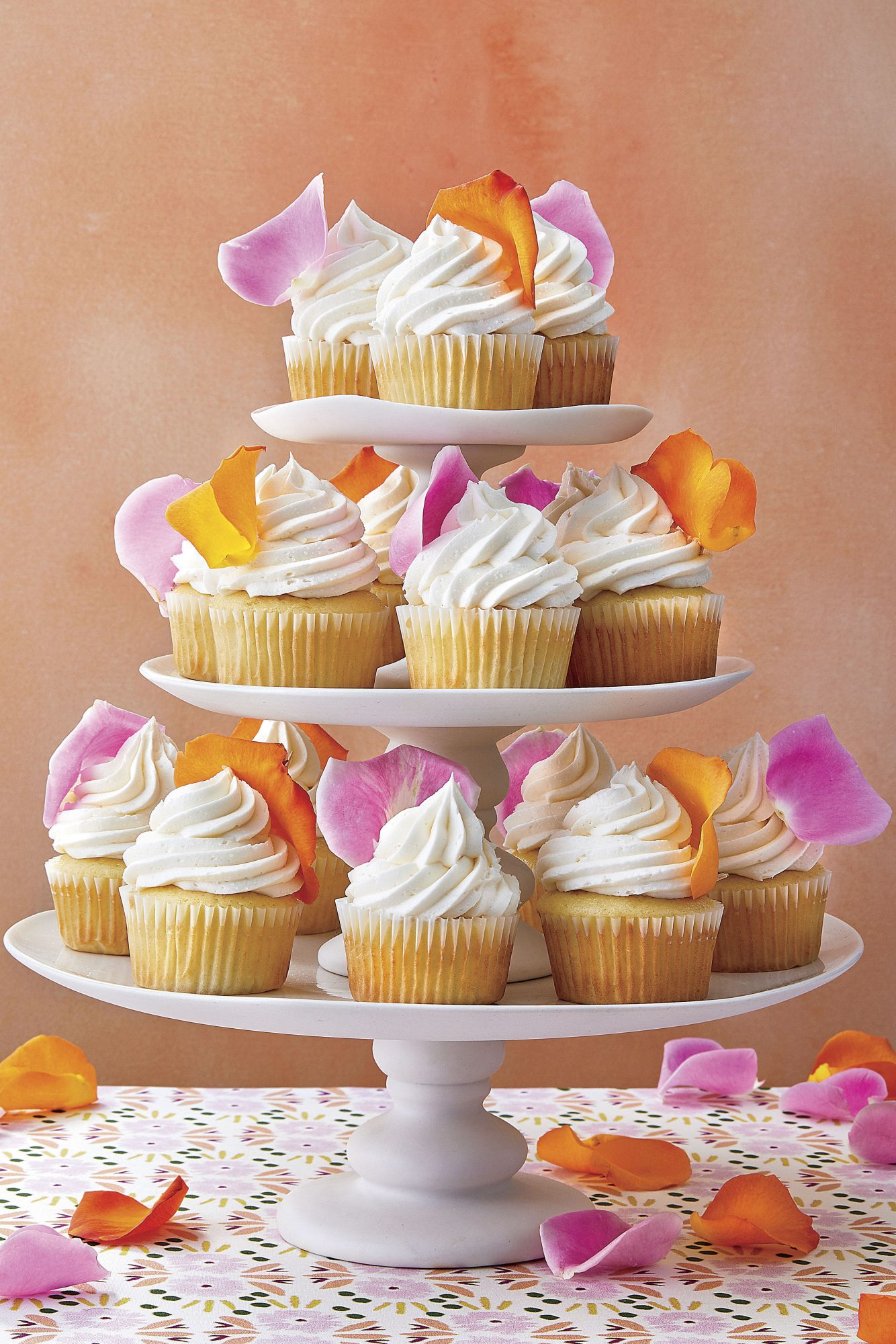 sl-White Cupcakes with Rose Petals