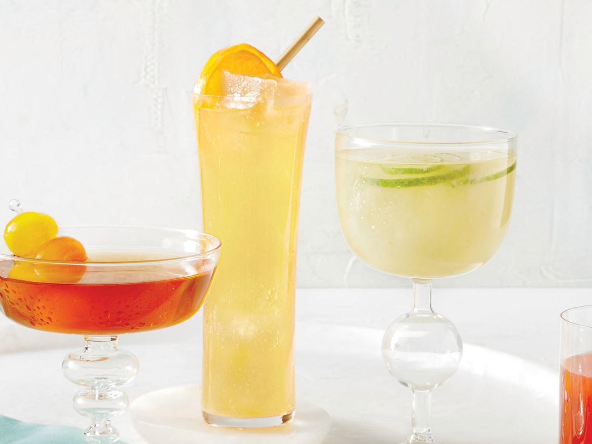 Tangerine-Elderflower Spritzer with Champagne Ice Cubes image