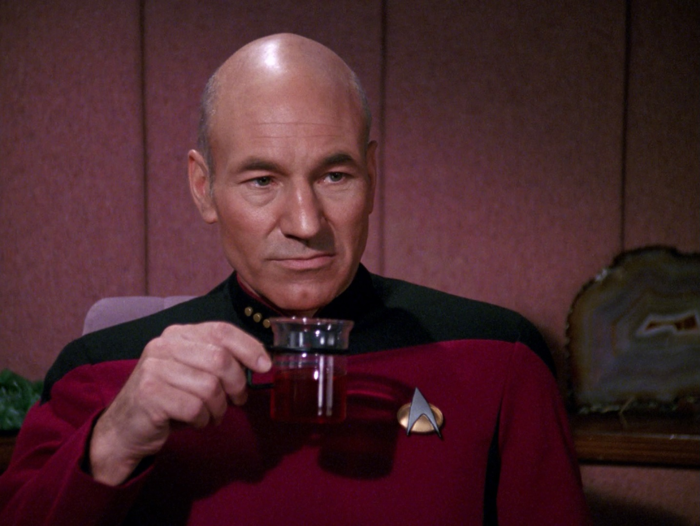 EC:  assets%2Fmessage-editor%2F1465928984000-assets-field-image-1462982794041-Picard_und_Earl_Grey