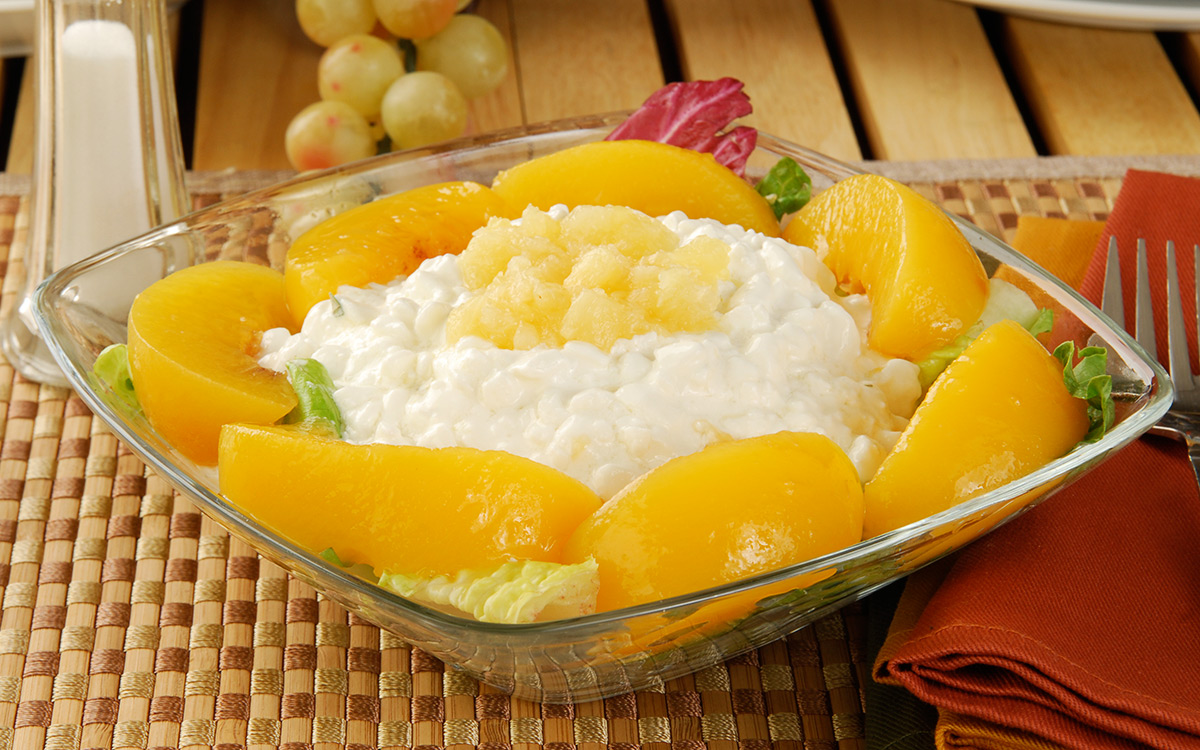EC:  assets%2Fmessage-editor%2F1478739369679-cottage-cheese-peaches-inline