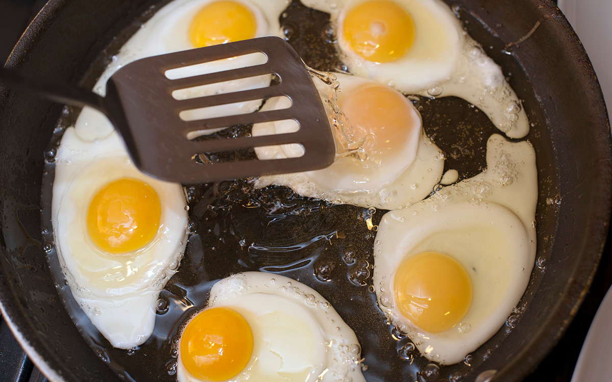 EC:  assets%2Fmessage-editor%2F1479312474915-fried-eggs-pan-inline