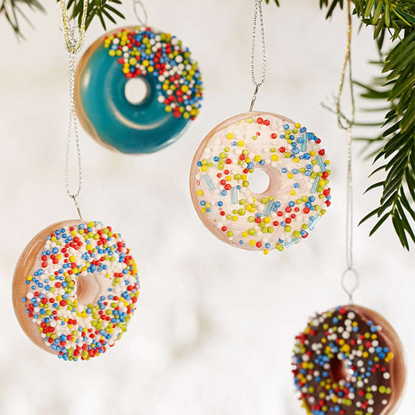 EC:  assets%2Fmessage-editor%2F1480449443112-urban-outfitters-doughnuts