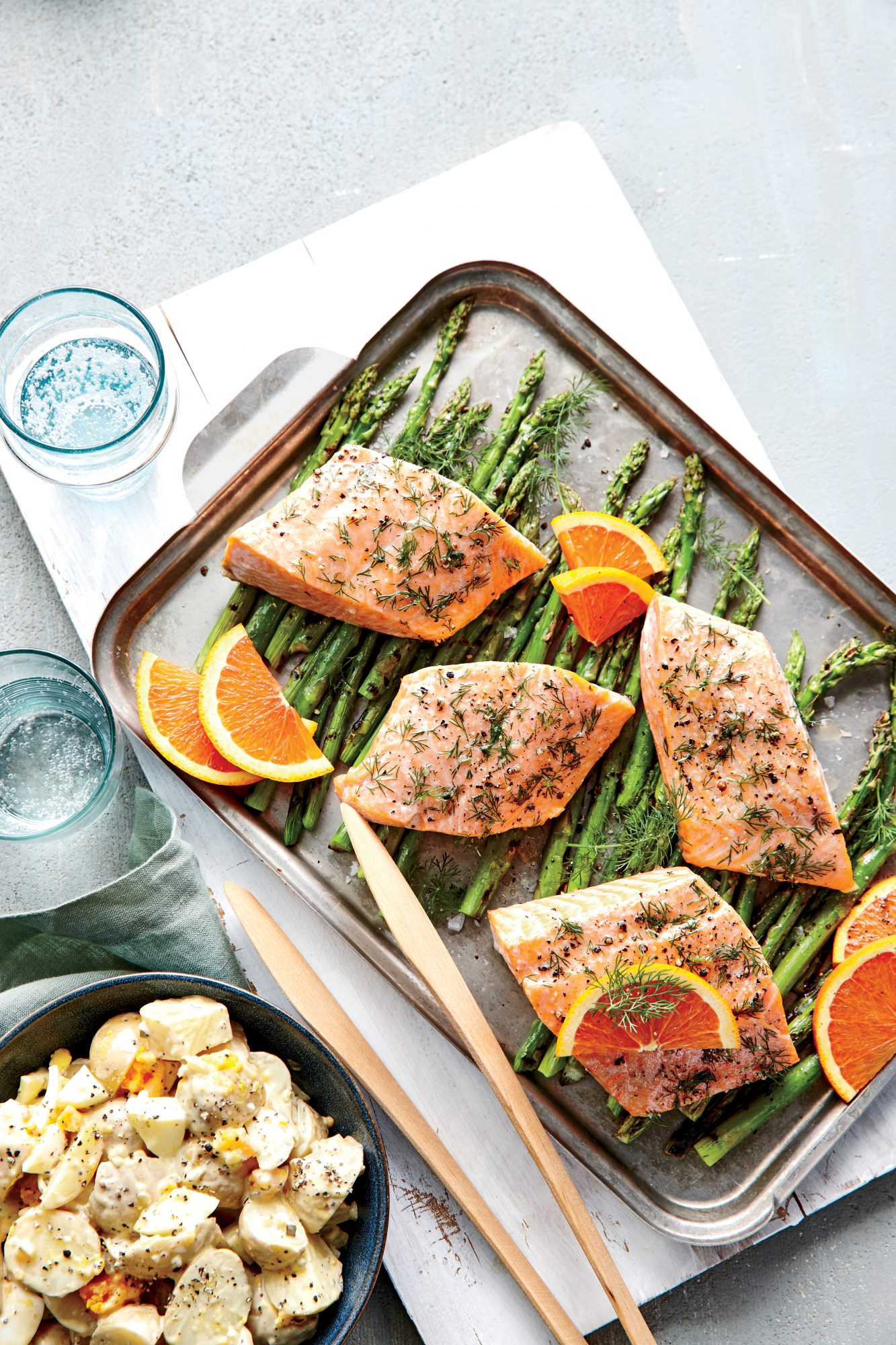 Dilly Salmon Packets with Asparagus