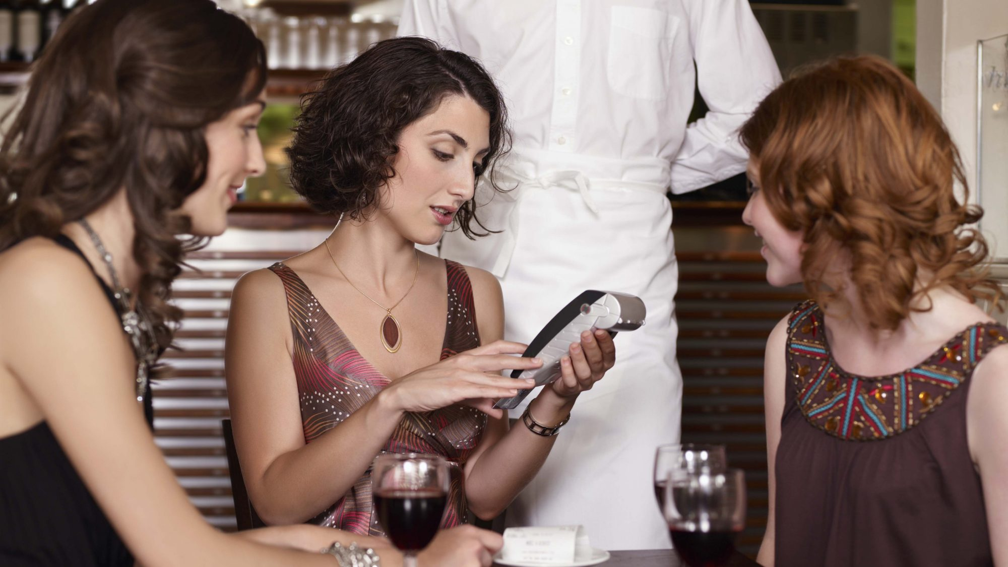 5 Ways to Avoid Getting Stuck with the Bill at Dinner